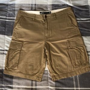 Vans tan colored cargo shorts
